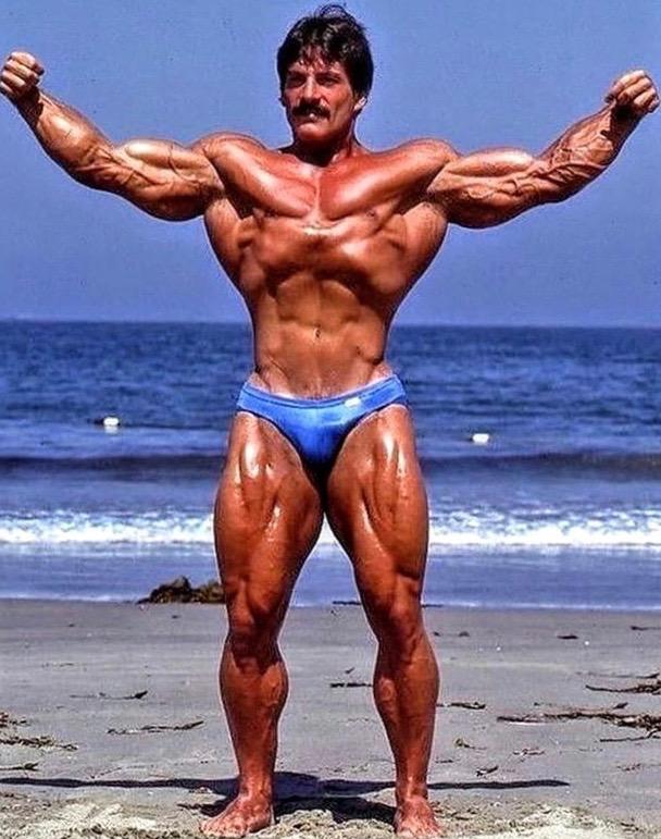 Mike Mentzer looking phenomenal at the beach, John Balik photo